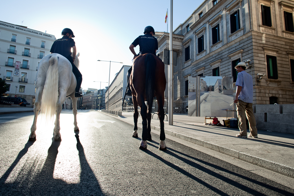 veronica_granado_photography_reportaje_congreso_alberto_martin_giraldo_pintor_policia